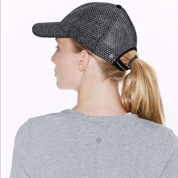 81fb449e908 Lululemon Reflective Baller Hat (Flare)